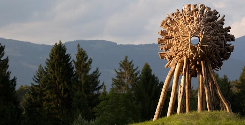 L'arte contemporanea nei boschi della Val di Sella